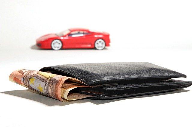 portfel i samochod