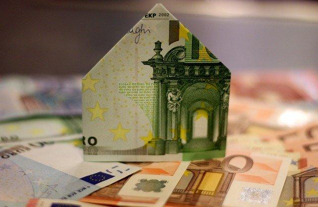 dom z pieniedzy