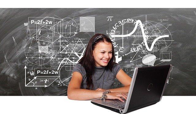nauka przed komputerem