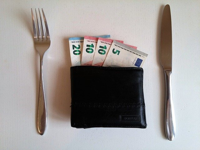 portfel i pieniadze