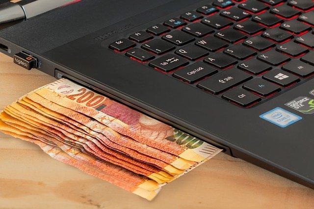 komputer i pieniadze